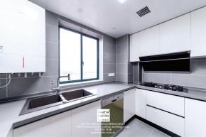 湖畔花园现代简约三居室厨房实景装修案例