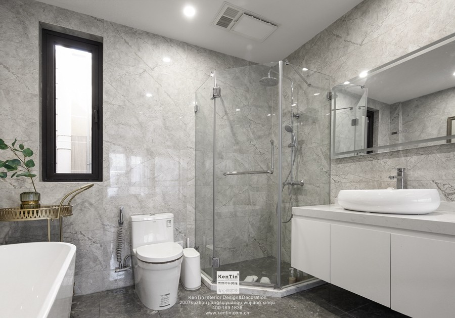 愉景湾现代轻奢混搭风格复式卫生间装修实景案例