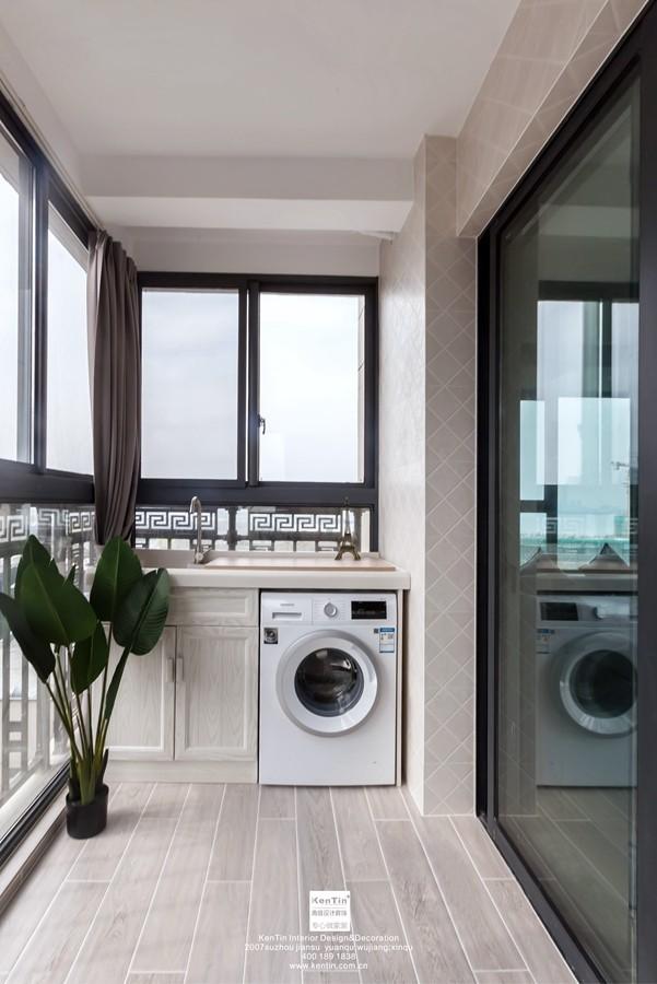 独墅湾现代简约三居室阳台装修实景案例