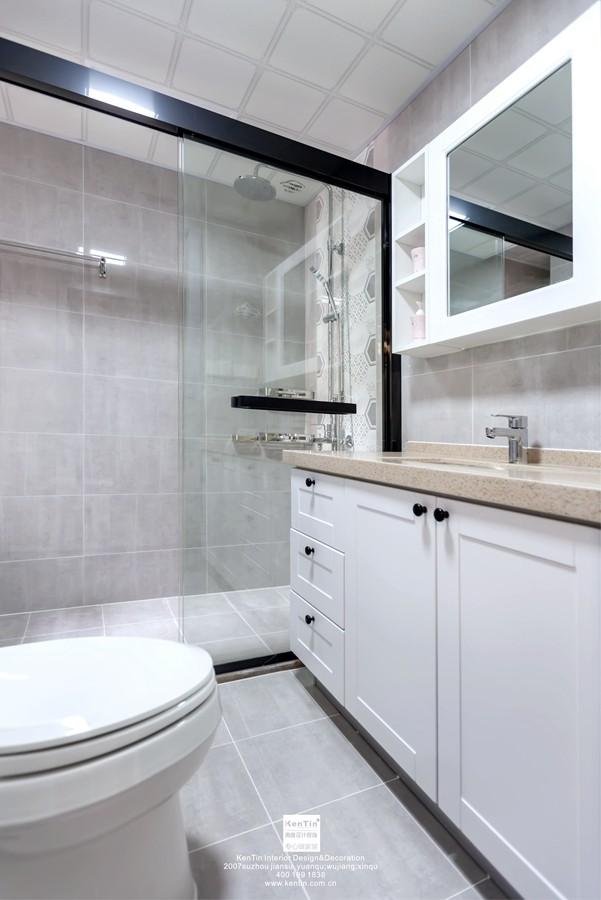 中交璟庭现代简约三居室卫生间装修实景案例