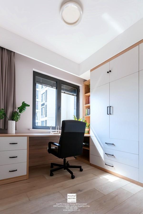 独墅湾现代简约三居室书房装修实景案例
