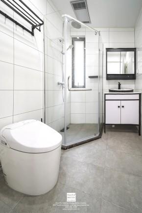九龙仓风华里现代简约三居室卫生间装修实景案例