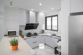 九龙仓风华里现代简约三居室厨房装修实景案例