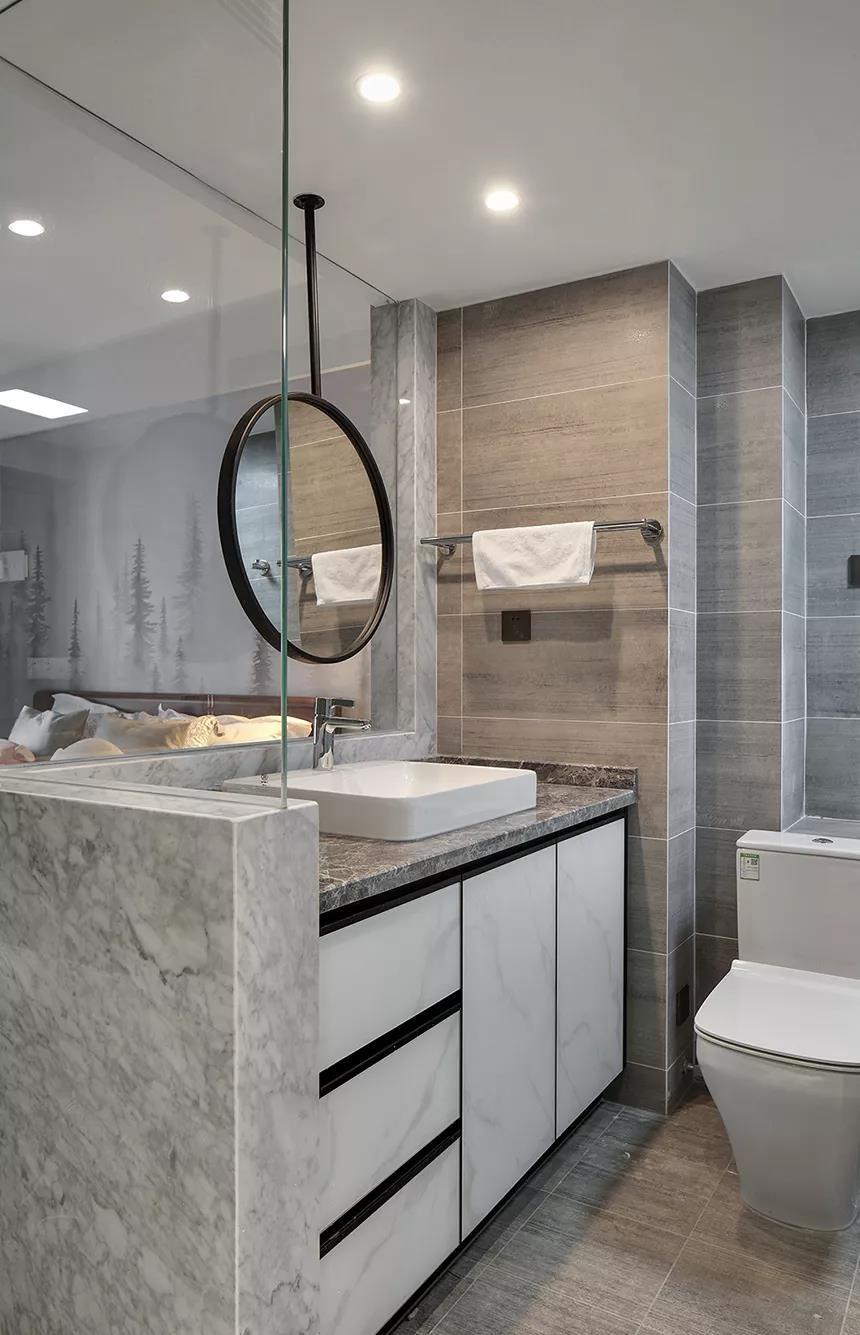 现代简约风格三居室卫生间装修效果图